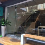 【バンコク】一人旅で、ドミトリーじゃなくて個室で、2000円くらいでスクンビットエリアでキレイめな宿はドコですか?